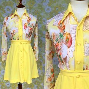 Vintage🌼70s Sheer Sleeve Belted Mini Dress!